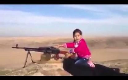 POLÊMICA: Quem é a menina que dispara uma metralhada e diz que já matou 400?