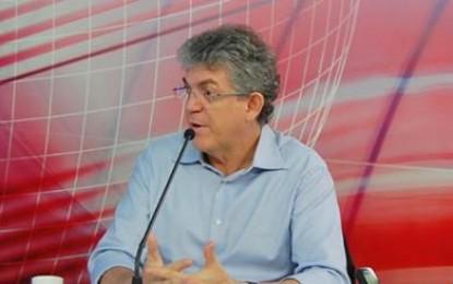 Governador critica Cássio e dispara: 'Ele nunca apresentou projeto de convivência com a seca'