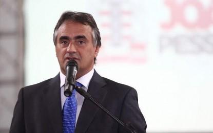 Luciano Cartaxo abre Feira Municipal do Trabalho no Ponto de Cem Réis