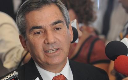 """""""Aécio não tem moral para pedir impeachment"""""""