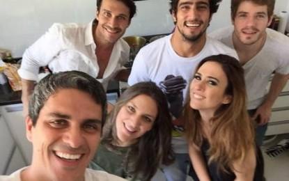 Tatá Werneck é apresentada à família do namorado, Renato Góes