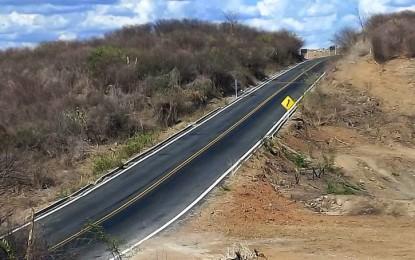 TIRANDO DO ISOLAMENTO: Ricardo inaugurou  estrada Coremas-Piancó na última  terça-feira