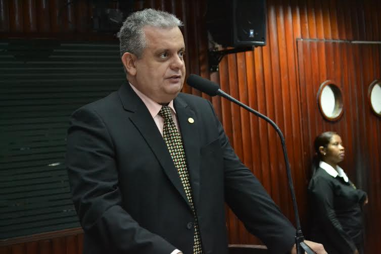 Deputado diz que permanência de Ricardo deve atrair forças da oposição