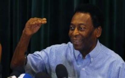 Com problemas na próstata, Pelé está internado no Hospital Albert Eistein