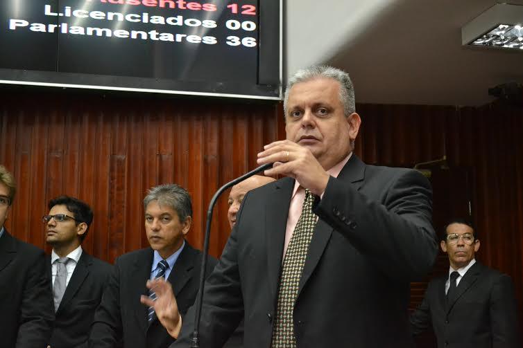 Bosco solicita escrituras para moradores em Alagoa Grande