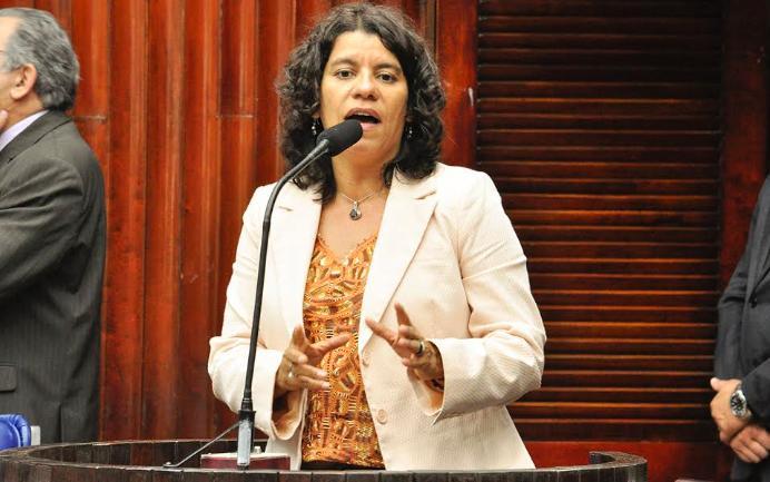 Estela lidera ranking de rejeição para retorno à ALPB de acordo com enquete do Correio Debate