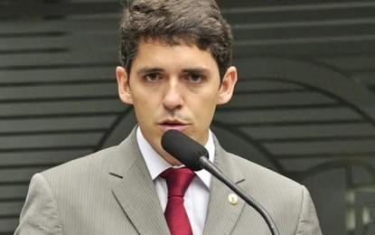 Deputado Tovar Correia Lima tem a carteira de motorista suspensa por um ano por ter sido flagrado pela Lei Seca