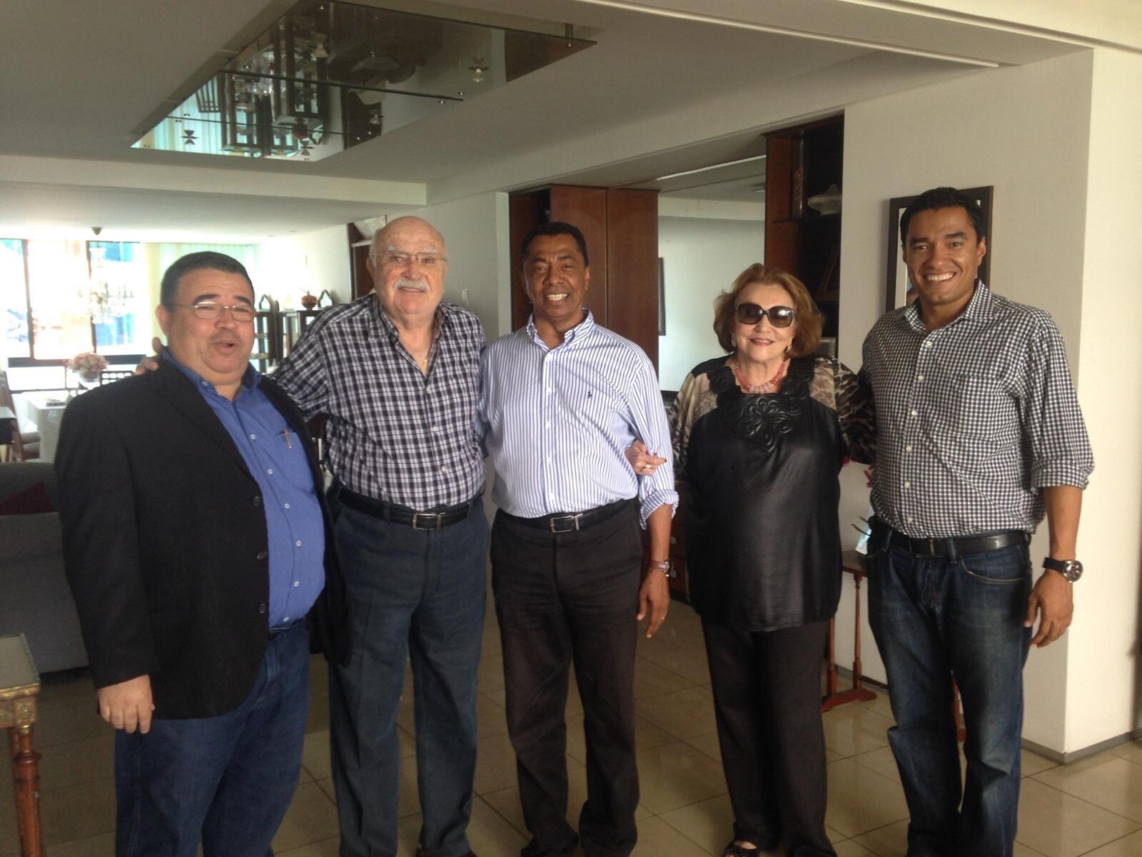 Lúcia e Wilson Braga assinam fichas de filiação ao PDT nesta sexta-feira