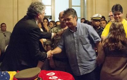 PELO TWITTER: Senador Cássio manda mensagem para o Gov. Ricardo