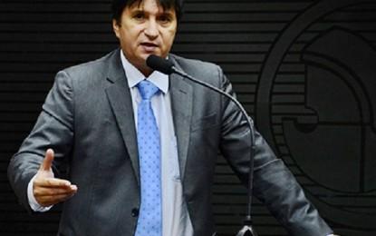 Janduhy atribui ao Governo fechamento de comarcas na Paraíba