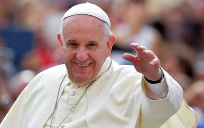 Papa se reúne com líderes políticos e religiosos dos Emirados Árabes
