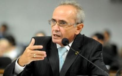 Cícero Lucena lamenta descaso da gestão Cartaxo com a saúde da mulher