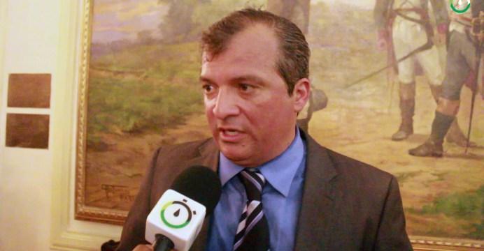 Trócolli anuncia que deverá deixar o Pros caso partido não siga em conjunto com João Azevêdo