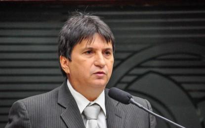 Janduhy Carneiro pede ajuda da bancada federal paraibana para evitar perdas salarias da PF e PRF