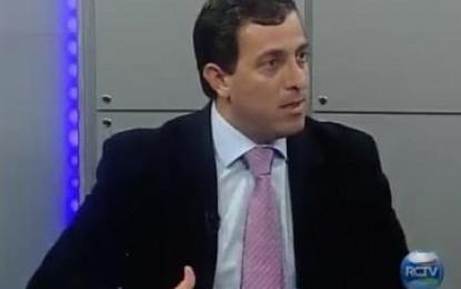 Gervásio consegue 'milagre' de atrair 36 deputados para sessão