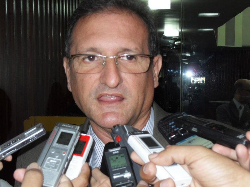 Líder do governo na ALPB defende coloca nome de João Azevedo para governador