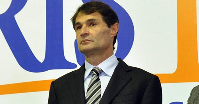 Romero pode renunciar ao mandato e entregar prefeitura a Enivaldo