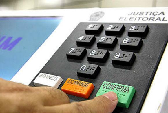Senadores apresentarão PEC para que eleição presidencial tenha 2º turno com 3 candidatos