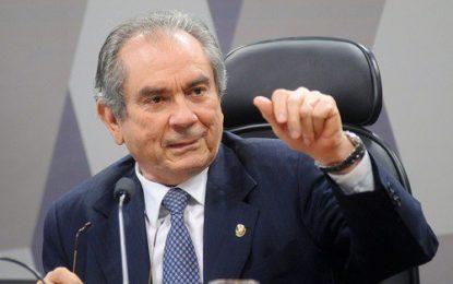 Raimundo Lira é escolhido novo líder do PMDB no Senado