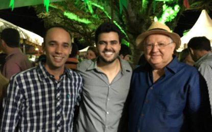 VEJA FOTOS – SÃO JOÃO DE BANANEIRAS: Êxito da festa e a força do Gov. Ricardo torna Doglas favorito
