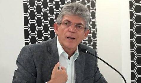 POLÊMICA PAMELLA: 'Eu tenho um respeito enorme pelo meu filho', diz Ricardo Coutinho