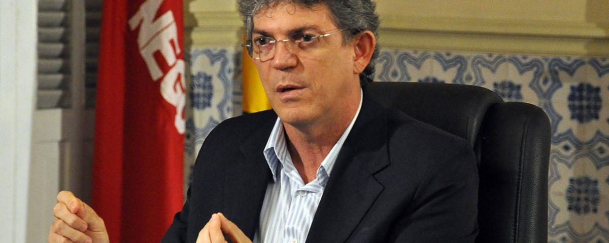 Ricardo diz que ficaria feliz em votar em Veneziano para o Senado