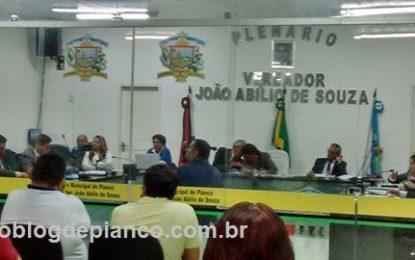 CLIMA QUENTE: Bate-boca entre parlamentares faz presidente encerrar Sessão na Câmara de Piancó por falta do Decoro Parlamentar