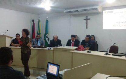 Em sessão na Câmara de Conde, Márcia revela dívida de R$ 43 mi da antiga gestão