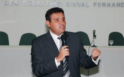 Conselheiro da OAB diz que provas contra Temer são suficientes para abertura do processo de impeachment