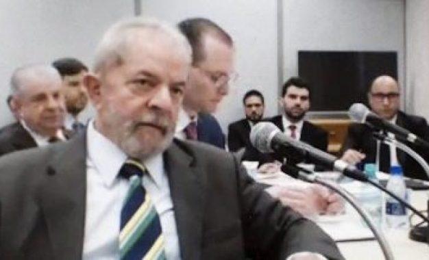 Defesa de Lula diz que bloqueio de bens é 'ilegal e abusivo'