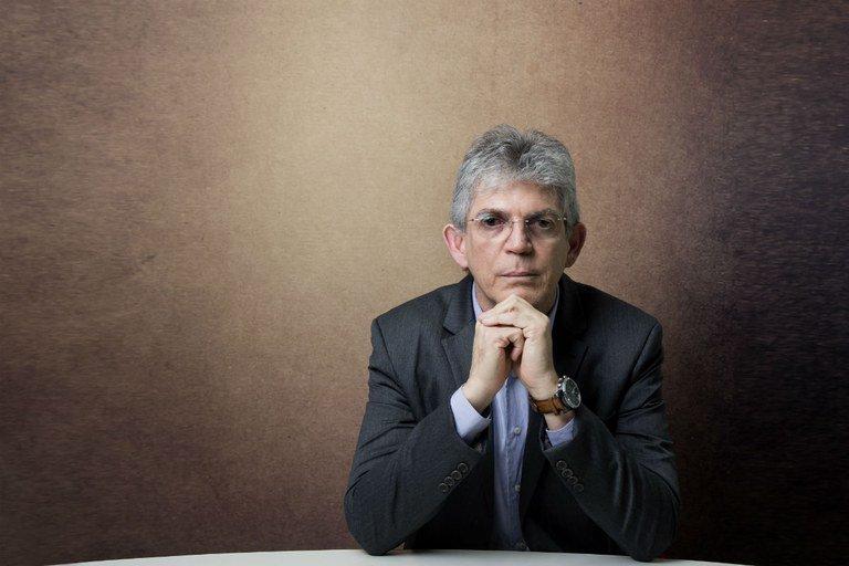 Ricardo Coutinho sobre crise e situação política brasileira: 'O Brasil está à deriva, sem qualquer debate consistente'