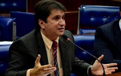 Janduhy Carneiro diz que terceirização da educação demonstra incompetência de administrar