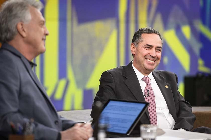 Ministro do STF defende legalização da maconha em entrevista