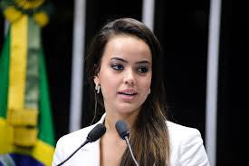 """Deputada tucana vai ao Conselho de Ética contra deputado sexista que a chamou de """"gostosa"""""""