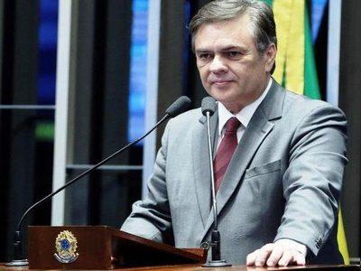 Granja do governador tem mais PMs que cidades da PB, diz Cássio