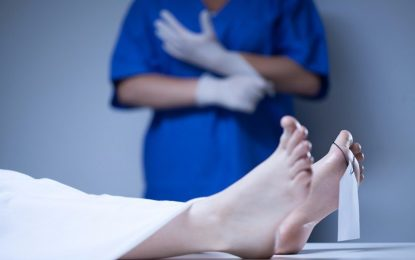 Enfermeiras são afastadas após admirarem genital de paciente morto