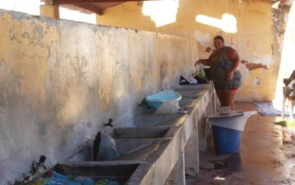 Prefeitura realiza reforma nas lavanderias públicas de Patos