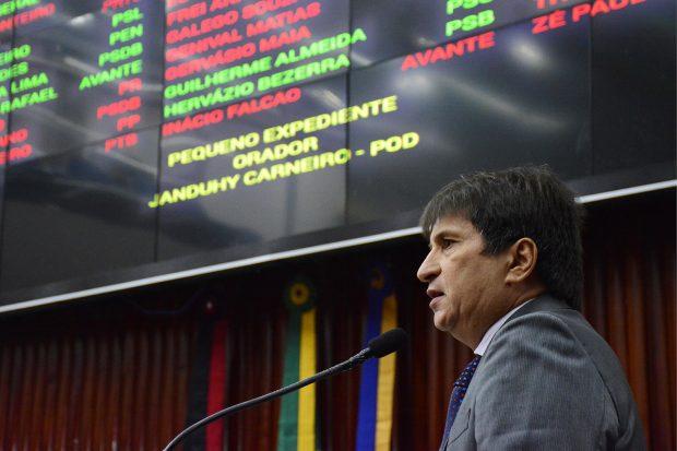 Janduhy Carneiro diz que a Paraíba é o estado que mais aumentou impostos no Brasil