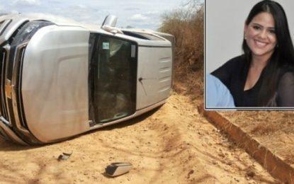 Grávida de sete meses, esposa do prefeito de Patos capota carro
