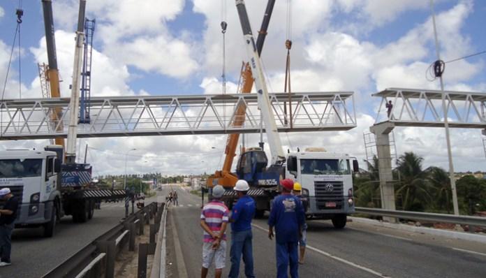 Começa nesta quarta-feira a construção do vão central da passarela na BR-230
