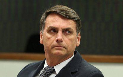 Bolsonaro ataca intervenção: 'Que guerra é essa que só um lado atira?'