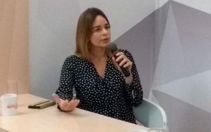 Daniela Ribeiro não descarta conversa política com Ricardo