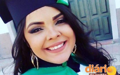 LUTA PELA VIDA: Enfermeira cajazeirense é diagnosticada com câncer; família pede doações para tratamento