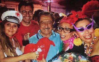 Maranhão brinca carnaval e tem carteira furtada enquanto abraça foliões – SAIBA MAIS