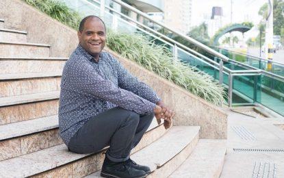 Pastor brasileiro é sensação no The Voice Finlândia