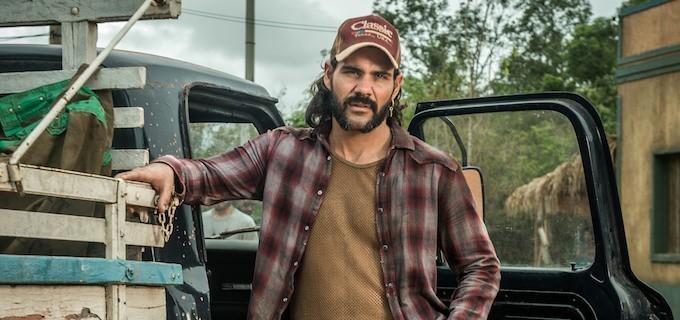 Morre ator de 'O Outro Lado do Paraíso' e Juliano Cazarré faz homenagem