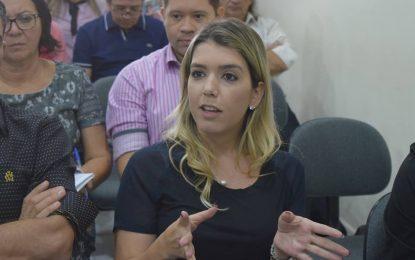 ROMPIMENTO EM MONTEIRO: Anna Lorena colocou gestão na mão de tios