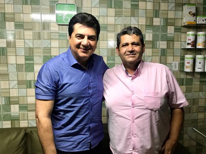 Prefeito de Riacho de Santo Antônio declara apoio a Manoel Junior para senador