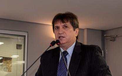 Janduhy Carneiro vota a favor da MP 271 mas cobra mesmo benefício para policiais inativos