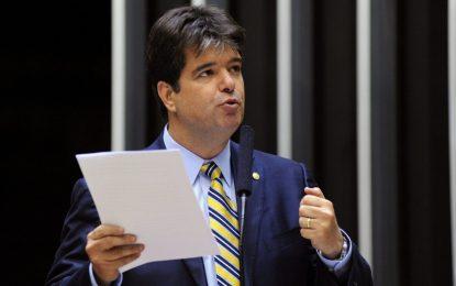 VÍDEO: Ruy Carneiro apresenta projeto de lei que dá liberdade e incentivos à produção de energias renováveis